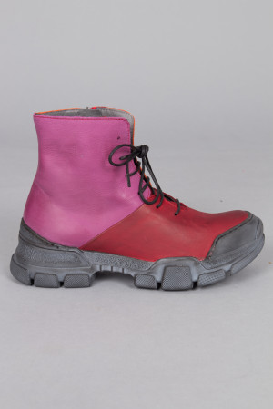 lf215092 - Lofina Lace Combi Boots @ Walkers.Style women's and ladies fashion clothing online shop