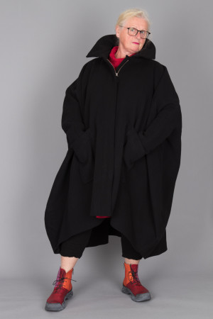 rh215145 - Rundholz Coat @ Walkers.Style buy women's clothes online or at our Norwich shop.