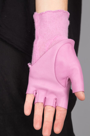 rh215184 - Rundholz Gloves @ Walkers.Style buy women's clothes online or at our Norwich shop.